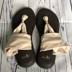 NWOT Size 6 Sanuk Yoga Slings